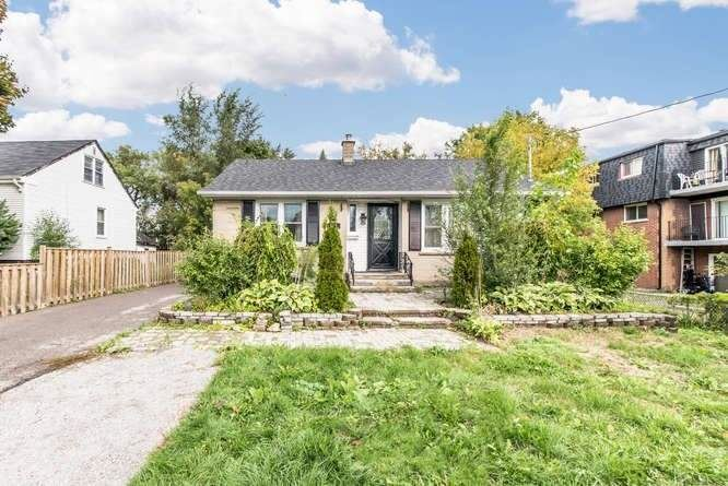 Photo of 544 Mary (Lower Level) St, Whitby, ON L1N2R3 (MLS # E5322616)
