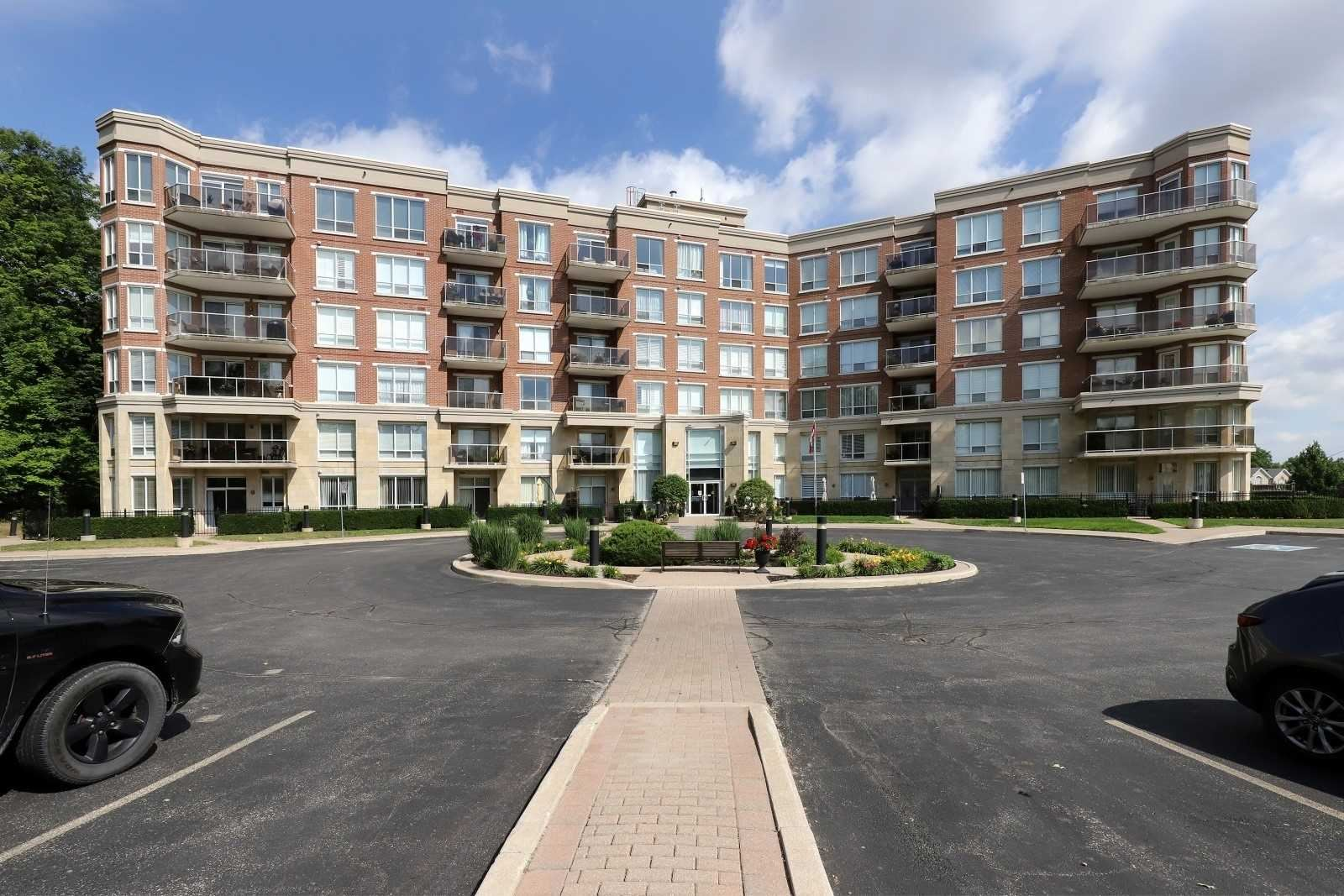 483 Faith Dr #302, Mississauga, ON L5R0A1 - MLS#: W5290876