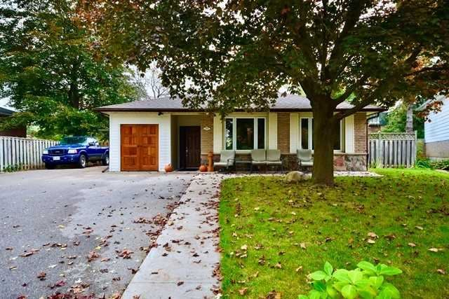 35 Davies Cres, Barrie, ON L4M2M4 - MLS#: S5401880