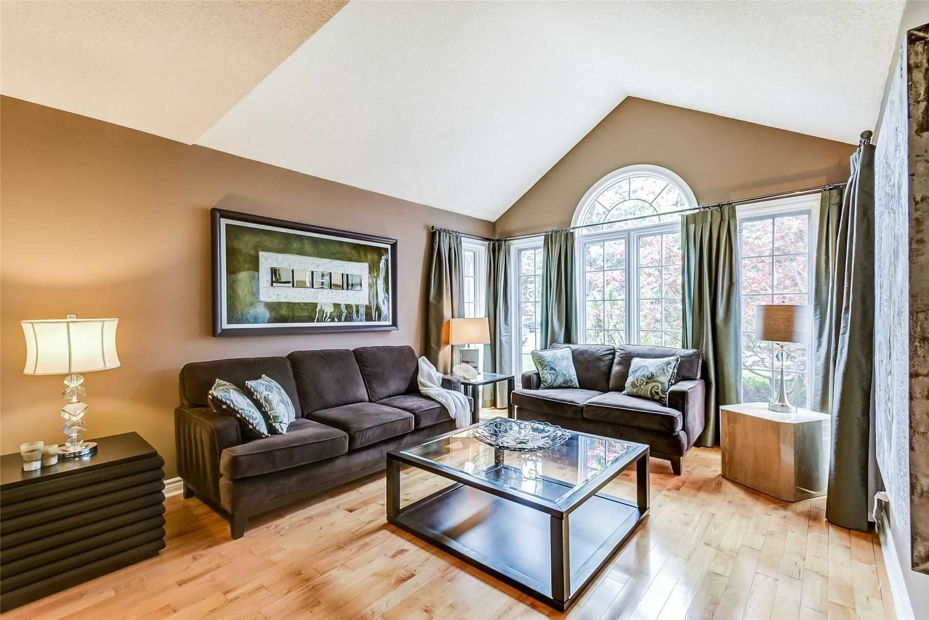 98 Brookeview Dr, Aurora, ON L4G6R5 - MLS#: N5402905