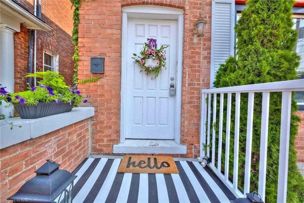 34 Academy St, St. Catharines, ON L2R 4Z8 - MLS#: X5297981