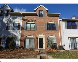 Photo of 86 DREWES CT, LAWRENCEVILLE, NJ 08648 (MLS # 7095268)