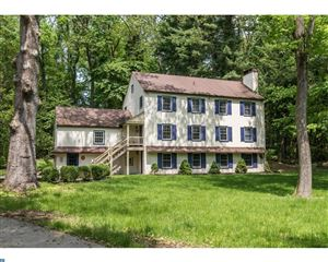 Photo of 327 ECHO VALLEY LN, NEWTOWN SQUARE, PA 19073 (MLS # 7208980)