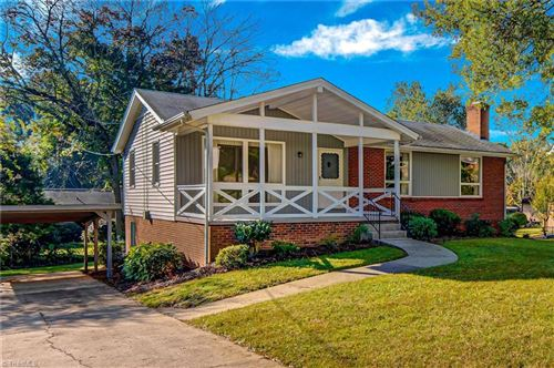Photo of 2830 Ashwood Drive, Winston Salem, NC 27103 (MLS # 998008)