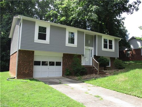 Photo of 1739 Camden Road, Winston Salem, NC 27103 (MLS # 985011)