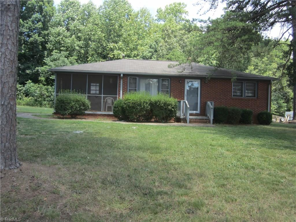 Photo of 7 Fritts Street, Lexington, NC 27292 (MLS # 988014)