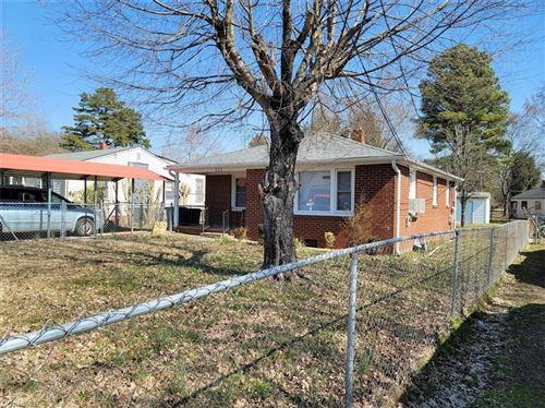 Photo of 320 Washburn Street, Lexington, NC 27292 (MLS # 1023042)
