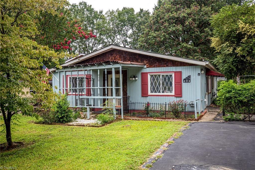 Photo of 404 Spicewood Drive, Greensboro, NC 27410 (MLS # 989049)