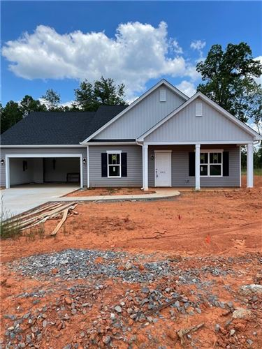Photo of 8611 Stone Valley Drive, Clemmons, NC 27012 (MLS # 1007050)