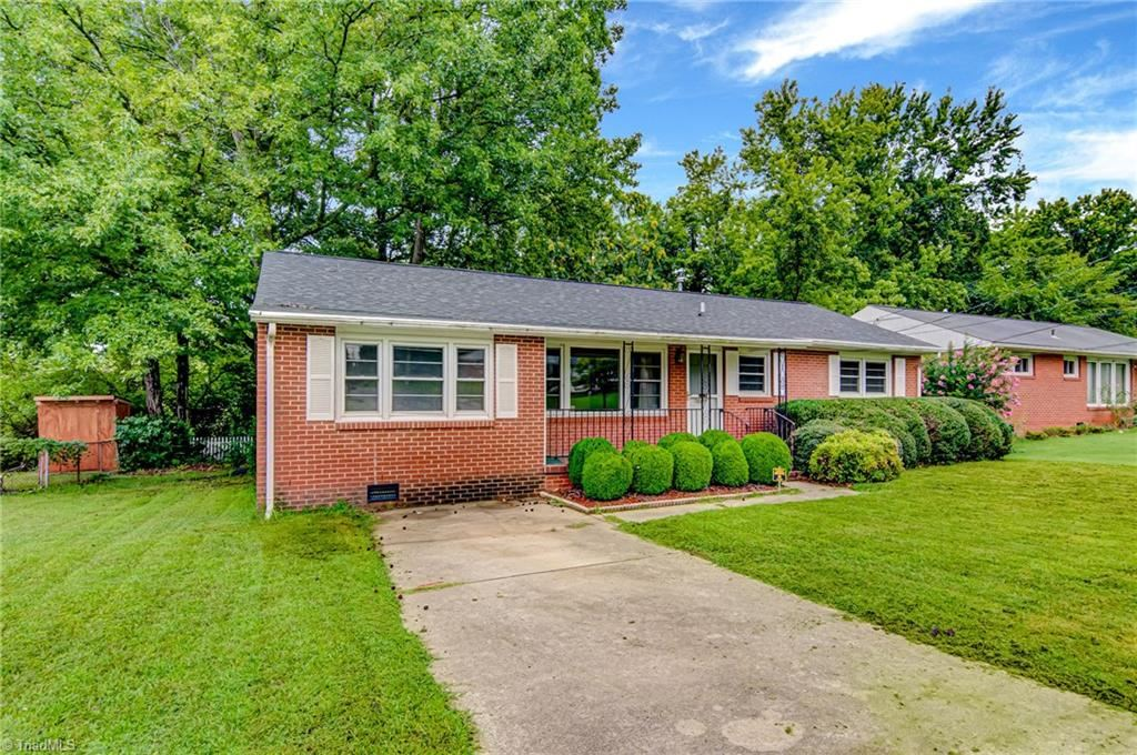 Photo of 2707 Holmes Road, Greensboro, NC 27405 (MLS # 989067)