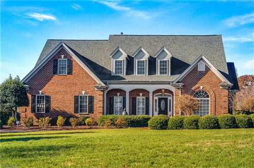 Photo of 1001 Glen Day Drive, Clemmons, NC 27012 (MLS # 959075)