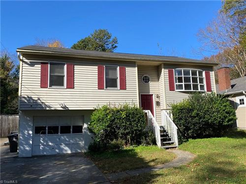 Photo of 912 Lockland Avenue, Winston Salem, NC 27103 (MLS # 002085)