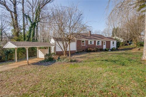 Photo of 2442 Cherokee Lane, Winston Salem, NC 27103 (MLS # 963088)