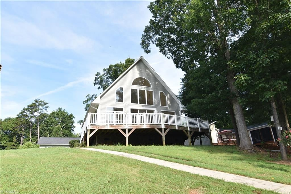 Photo of 4233 Old Mountain Road, Lexington, NC 27292 (MLS # 988088)