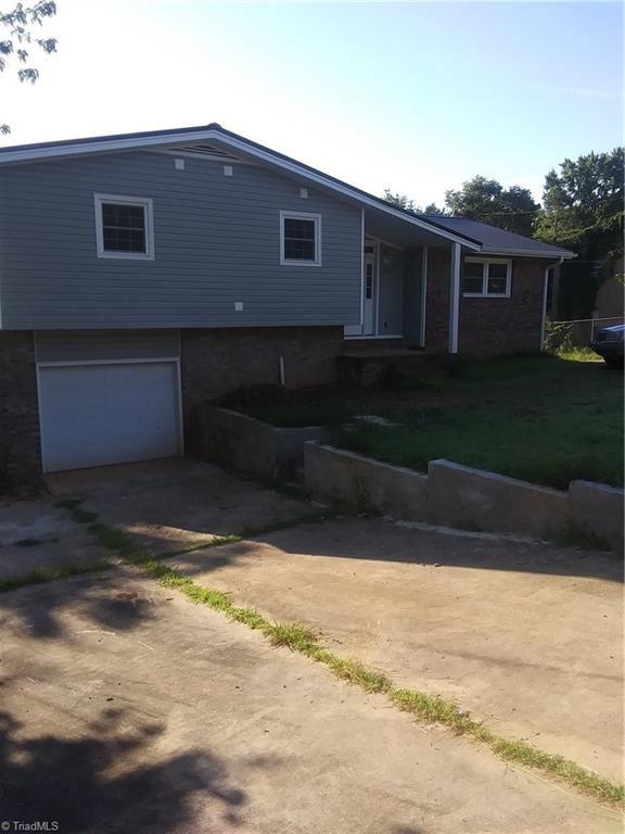 Photo of 1303 Liberty Drive, Thomasville, NC 27360 (MLS # 985092)