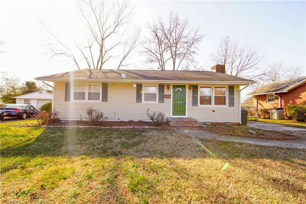 Photo of 2109 Hardie Court, Greensboro, NC 27403 (MLS # 963105)