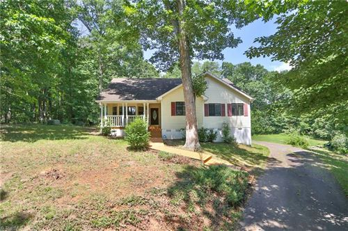 Photo of 470 Sunset Ridge Drive, Lewisville, NC 27023 (MLS # 981107)