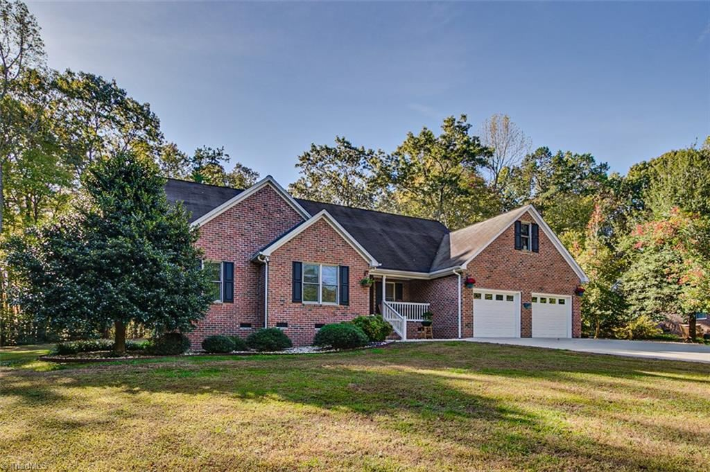 Photo of 1781 Winchester Heights Drive, Asheboro, NC 27205 (MLS # 956112)