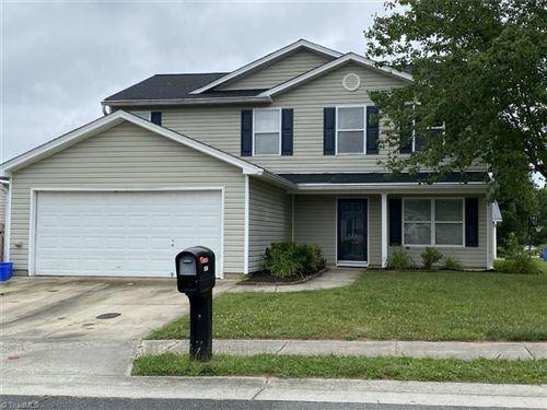 Photo of 134 Julian Pond Lane, Kernersville, NC 27284 (MLS # 981123)