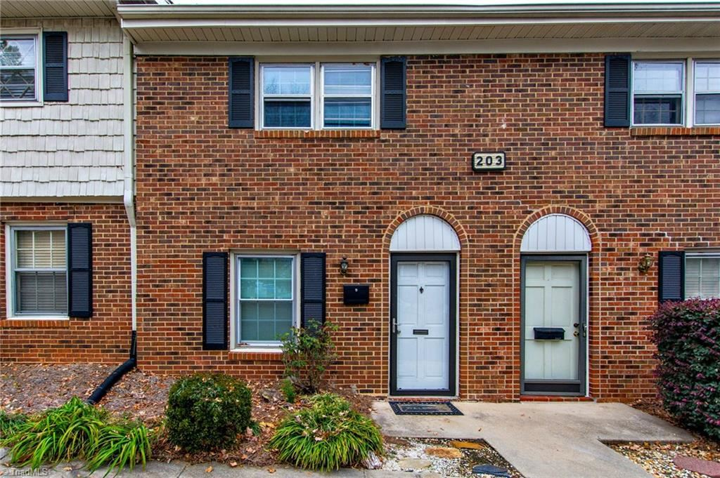 Photo of 203 Northpoint Avenue #E, High Point, NC 27262 (MLS # 957130)