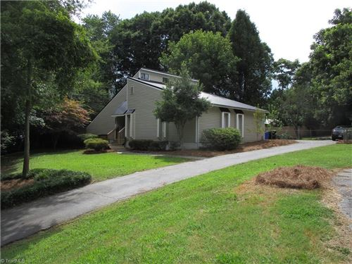 Photo of 202 Wildwood Place, Clemmons, NC 27012 (MLS # 988151)