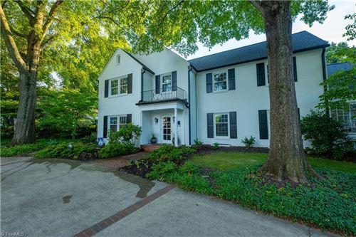 Photo of 444 Arbor Road, Winston Salem, NC 27104 (MLS # 002157)