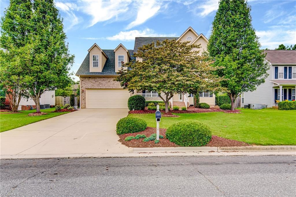 Photo of 1325 Suncrest Drive, High Point, NC 27265 (MLS # 986192)