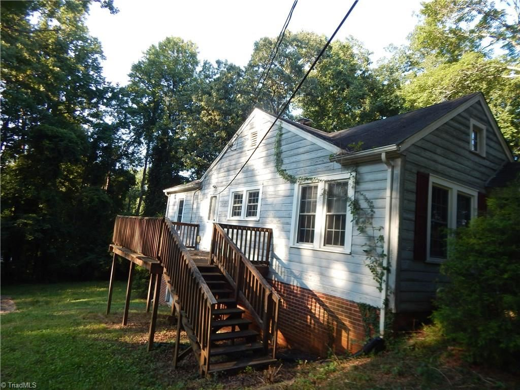 Photo of 1308 Sunset Drive, Asheboro, NC 27205 (MLS # 989214)