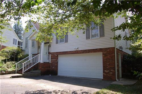 Photo of 418 Twin Creeks Road, Clemmons, NC 27012 (MLS # 985221)