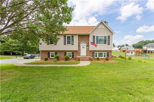 Photo of 136 Central Ridge Court, Clemmons, NC 27012 (MLS # 988235)