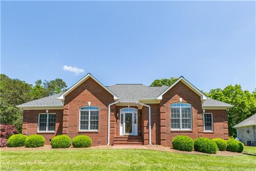 Photo of 2037 Rossmore Road, Clemmons, NC 27012 (MLS # 977241)