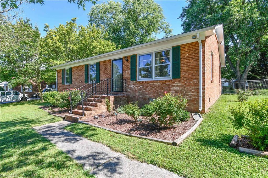 Photo of 1720 Farrell Street, Greensboro, NC 27405 (MLS # 989256)