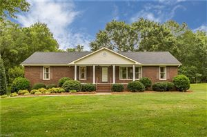 Photo of 160 Roquemore Road, Clemmons, NC 27012 (MLS # 940263)