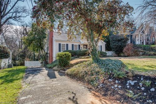Photo of 312 Carolina Circle, Winston Salem, NC 27104 (MLS # 1009266)