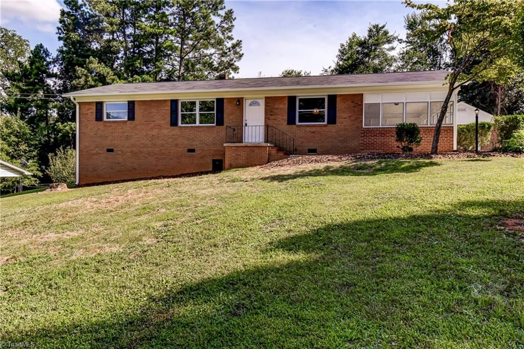 Photo of 162 Anchor Drive, Asheboro, NC 27205 (MLS # 988270)