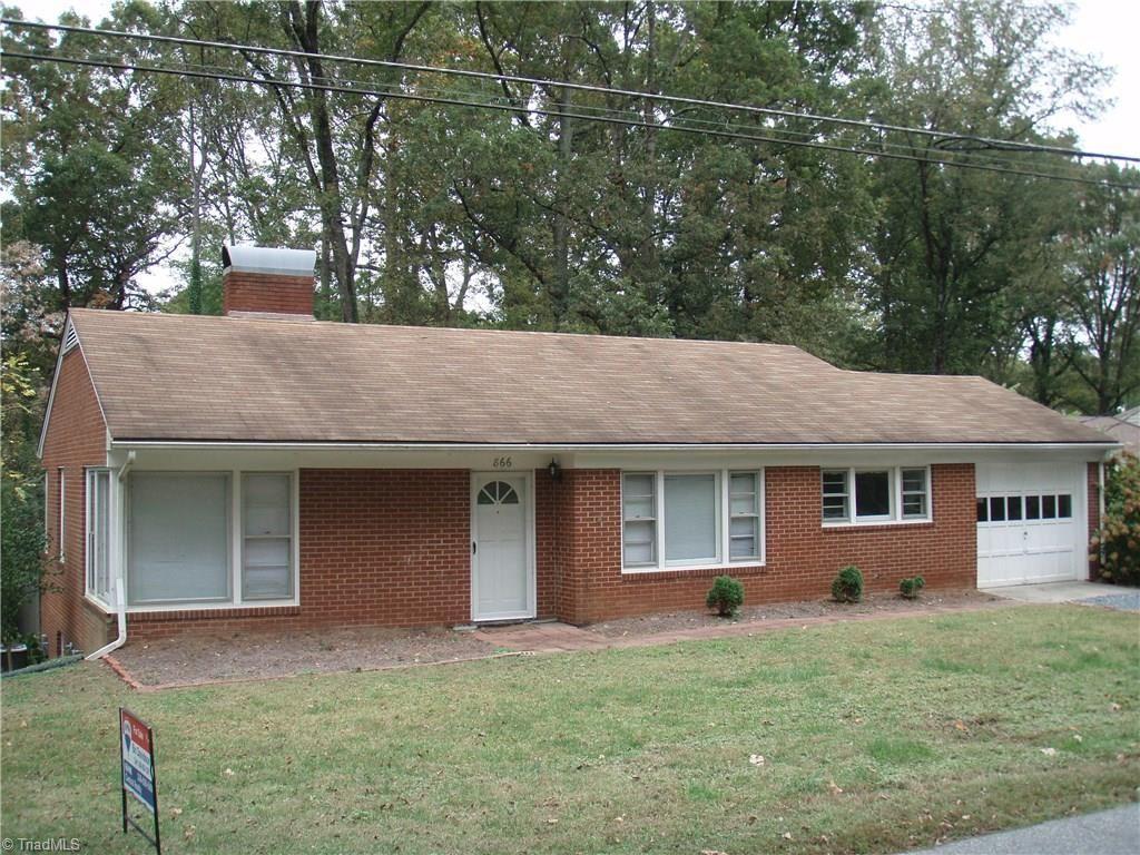 Photo of 866 Oakmont Drive, Asheboro, NC 27205 (MLS # 955307)