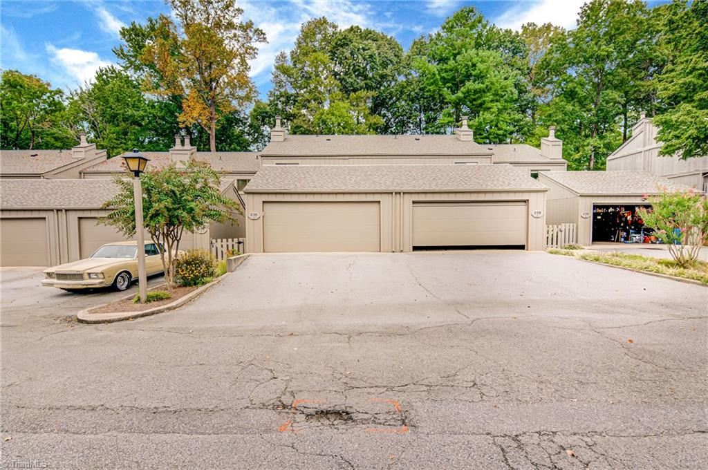 Photo of 236 Northpoint Avenue #F, High Point, NC 27262 (MLS # 994313)