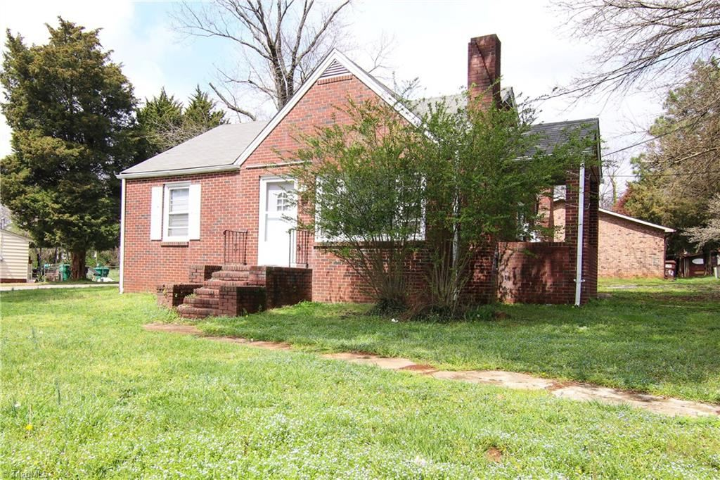 Photo of 140 Kenilworth Drive, High Point, NC 27260 (MLS # 971316)