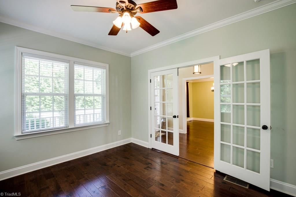 Photo of 361 Kapstone Crossing, Lexington, NC 27295 (MLS # 987324)