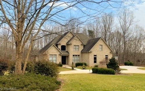 Photo of 275 Abbotts Crossing, High Point, NC 27265 (MLS # 1023353)