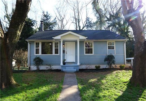 Photo of 2422 Parkway Drive, Winston Salem, NC 27103 (MLS # 965356)