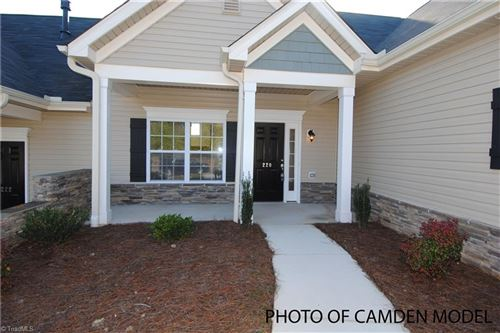 Photo of 211 Hawks Nest Circle, Clemmons, NC 27012 (MLS # 979363)