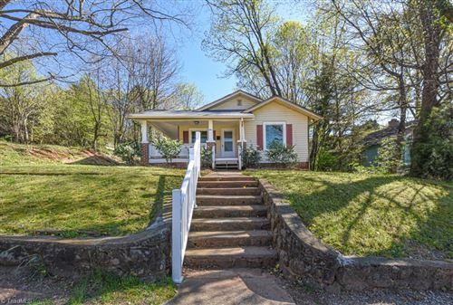 Photo of 2038 Queen Street, Winston Salem, NC 27103 (MLS # 972368)