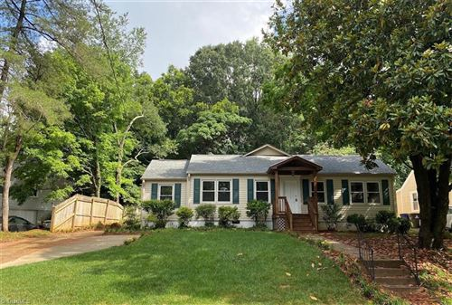 Photo of 1140 Kenwood Street, Winston Salem, NC 27103 (MLS # 977368)
