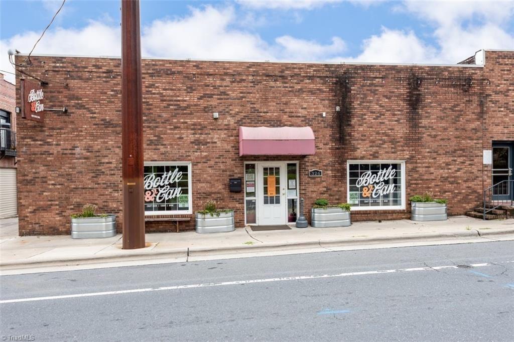 Photo of 326 W Salisbury Street, Asheboro, NC 27203 (MLS # 989371)