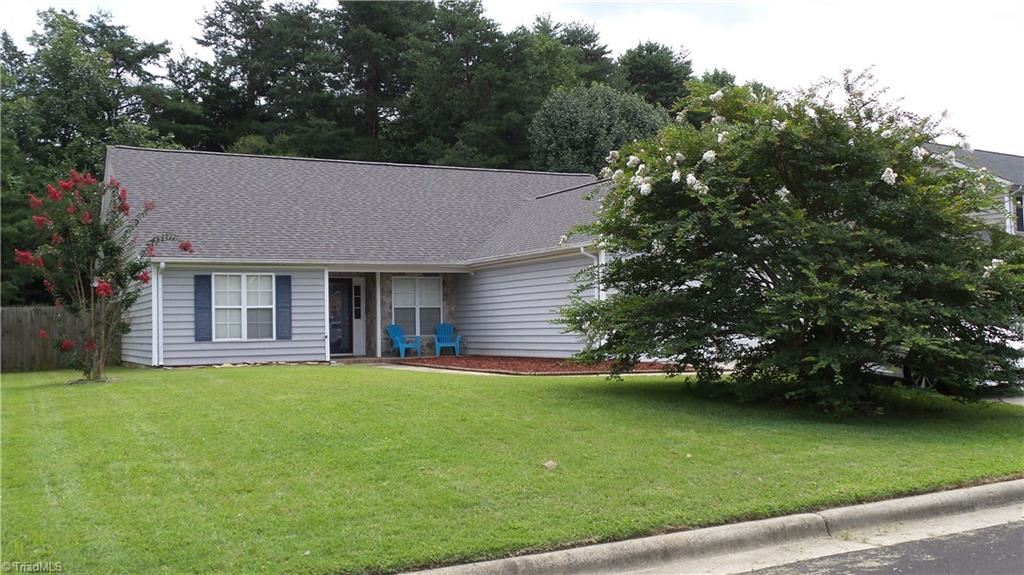Photo of 3 Manor Ridge Court, Greensboro, NC 27407 (MLS # 989374)
