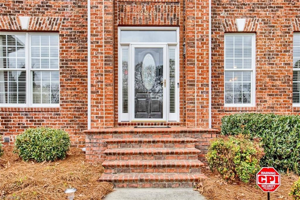 Photo of 2219 Setliff Drive, High Point, NC 27265 (MLS # 970375)