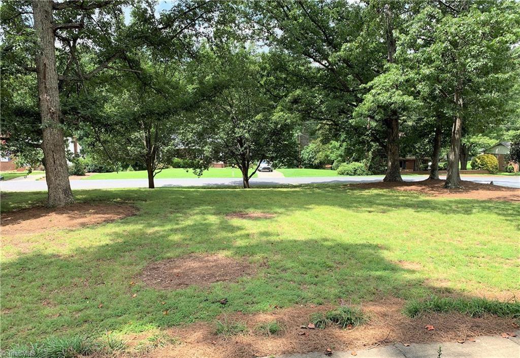 Photo of 401 Springtime Drive, Greensboro, NC 27409 (MLS # 989381)