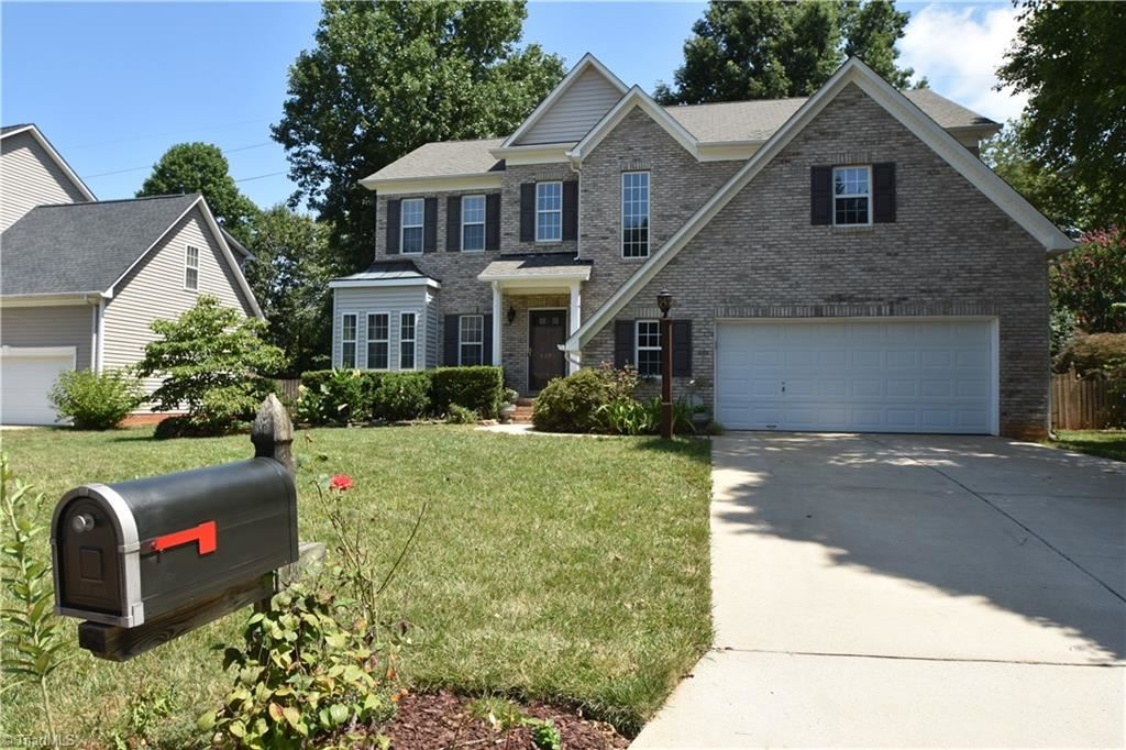 Photo of 4381 Southern Oak Drive, High Point, NC 27265 (MLS # 988386)