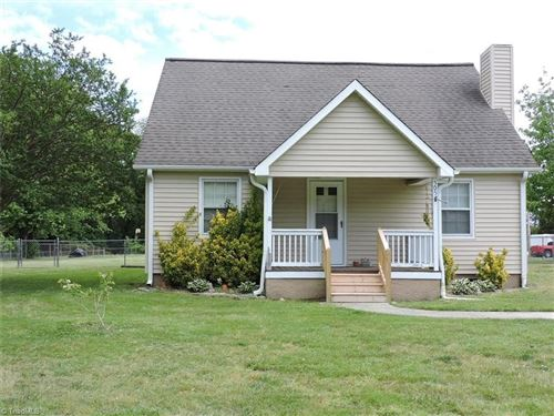 Photo of 505 Horneytown Road, High Point, NC 27265 (MLS # 1023395)